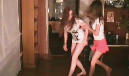 Geile Milf isst Teen deutsche pornofilme kostenlos Pussy in der Küche